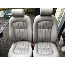 Jaguar X300 XJ6 - Front Seats - Oatmeal - Very Light Grey